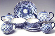 THE LOMONOSOV PORCELAIN FACTORY